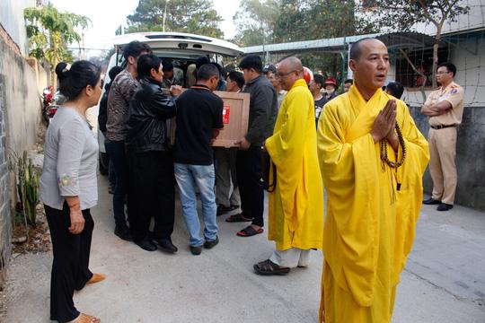 Linh cữu bà Hà Linh được đưa về gia đình ở TP Đà Lạt Ảnh: NGỌC BÍCH