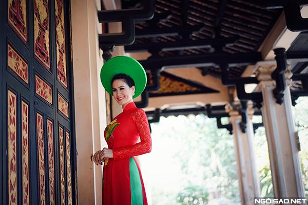 Bộ ảnh được thực hiện bởi photo: Ryo Vo, trang điểm và trang phục: Trọng Nguyễn.
