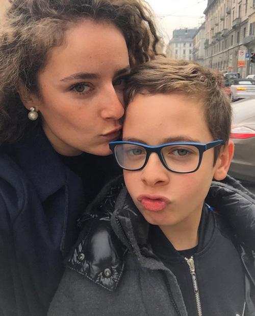 Valentina và cậu em trai Leonardo kém tới 15 tuổi.