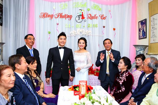 me-chong-hon-ma-hong-phuong-trong-dam-hoi-4