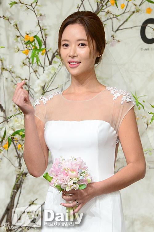 nguoi-dep-she-was-pretty-rung-rung-trong-hon-le-8