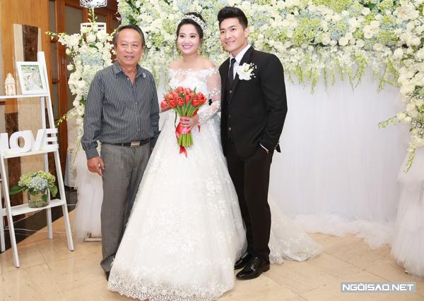 lan-khue-hoang-oanh-rang-ro-du-tiec-cuoi-hong-phuong-13