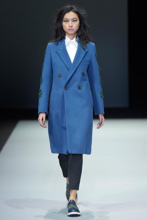 le-thuy-tu-tin-sai-buoc-o-milan-fashion-week-7