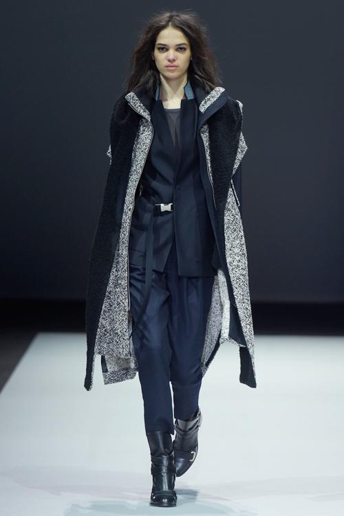 le-thuy-tu-tin-sai-buoc-o-milan-fashion-week-2