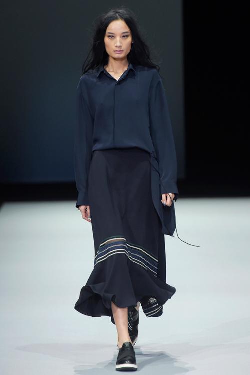 le-thuy-tu-tin-sai-buoc-o-milan-fashion-week-1