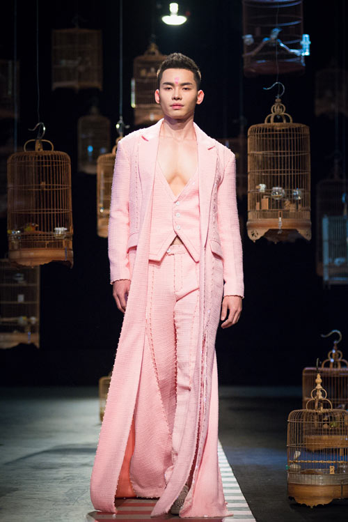 ha-duy-gay-an-tuong-voi-thiet-ke-couture-tinh-xao-11