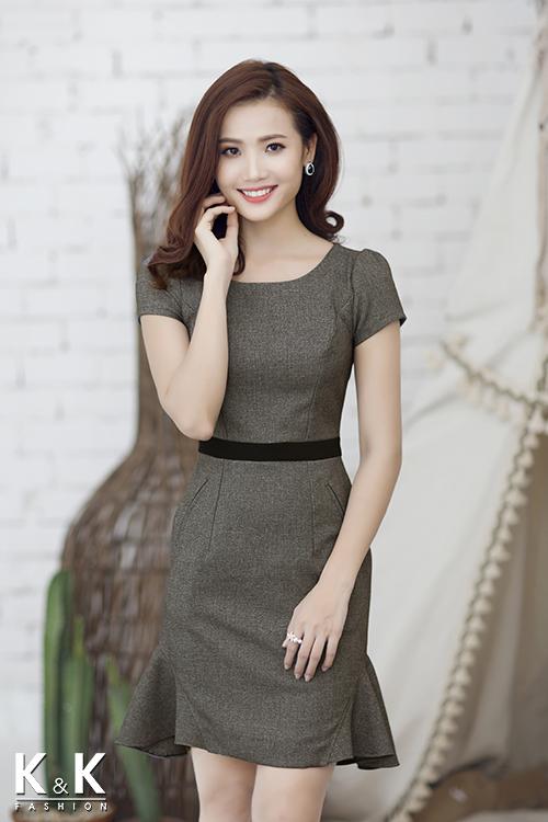 Đầm ôm cách điệu KK54-19 giá 400.000 đồng.