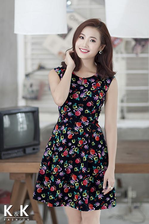 Đầm xòe họa tiết hoa xinh xắn KK54-20 giá 400.000 đồng.