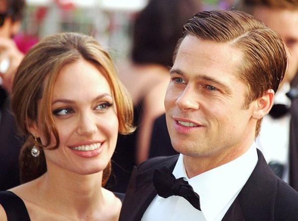 Cặp minh tinh tài tử bị đồn trục trặc hôn nhân sau khi Brad Pitt và nữ ca sĩ trẻ Selena Gomez