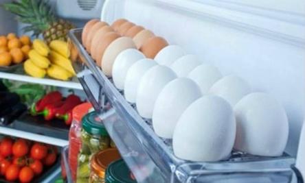 Thói quen sai lầm khi bảo quản trứng ở cửa tủ lạnh