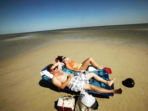 Đi du lịch riêng là một trong những trải nghiệm đáng nhớ của các cặp đôi mới yêu.