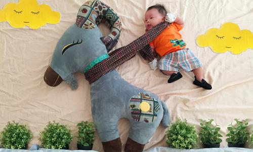 Bộ ảnh sáng tạo của ông bố 8x ở TP HCM chụp cho con trai