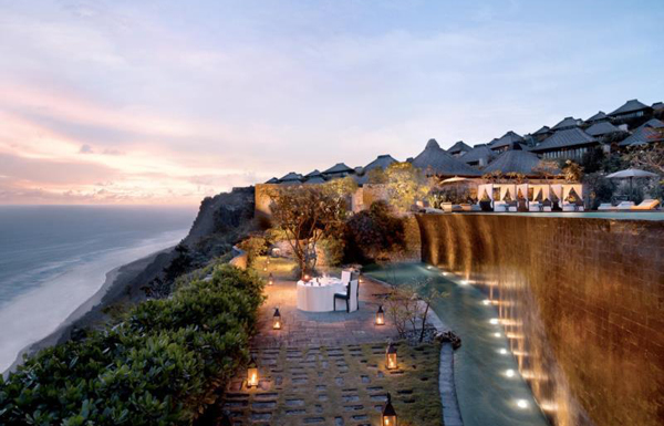 4-resort-o-bali-duoc-sao-hoa-ngu-chon-to-chuc-dam-cuoi-2