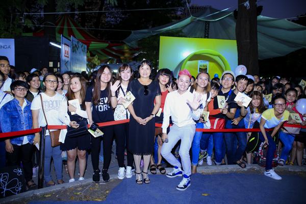 fan-vay-kin-thanh-duy-hamlet-truong-o-hoi-sach-4