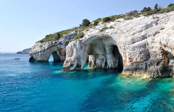 Hang Blue (Blue Caves), mỏm Keri đẹp hùng vĩ, hiên ngang.