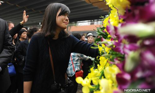 Hình ảnh khán giả nghẹn ngào khóc Trần Lập