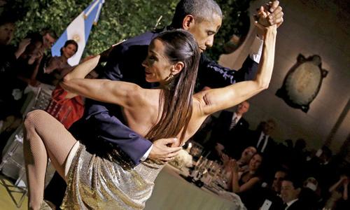 Tổng thống Obama nhảy tango với vũ công Argentina