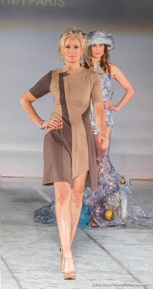 Nhà thiết kế Việt vừa ra mắt bộ sưu tập thu đông 2016-2017 Ánh sáng của các vì sao tại Tuần lễ thời trang Los Angeles (Mỹ) với sự góp mặt của 2 diễn viên Andrea Anderson, Dustin Quick cùng dàn chân dài đông đảo.
