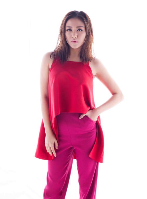 Đầu năm 2016, Văn Mai Hương trở lại làng giải trí bằng nhiều hoạt động nổi bật. Song song với việc ra mắt những sản phẩm âm nhạc chất lượng, đầu tư kĩ lưỡng, Văn Mai Hương cũng trở thành tâm điểm chú ý của các chương trình, sự kiện lớn.