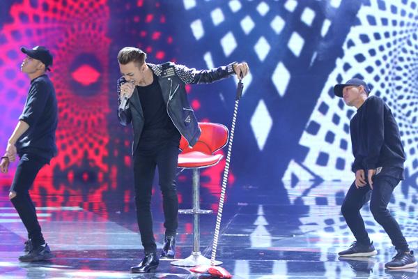 Team Soobin Hoàng Sơn trình bày ca khúc 'Vụt tan' mà nam ca sĩ đồng sáng tác với Justatee.