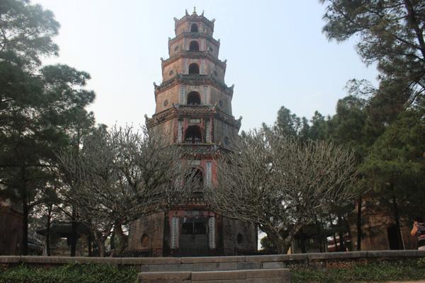 Lời nguyền 'oán tình duyên' càng làm tôn nên sự tôn nghiêm, linh thiêng của một ngôi chùa cổ nhất xứ Huế.