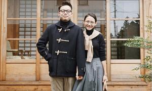 Cặp đôi gây sốt với ảnh thời trang 'trước hiên nhà'