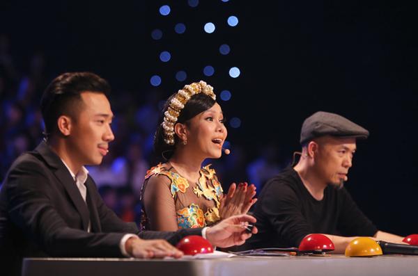 tay-trong-nhi-dot-chay-san-khau-got-talent-9