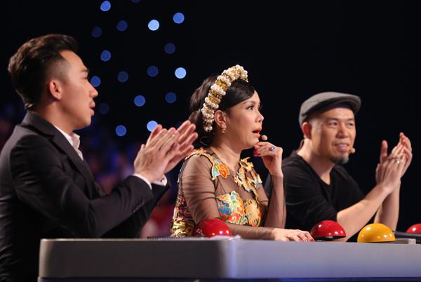 tay-trong-nhi-dot-chay-san-khau-got-talent-11