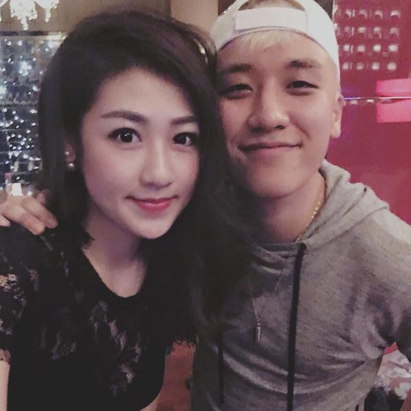 Á hậu Dương Tú Anh bất ngờ đăng hình chụp tự sướng với Seungri - thành viên nhóm Bigbang - ở Hà Nội