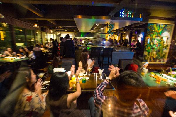Không gian sang trọng, lịch sự của La Plume Bar & Lounge.