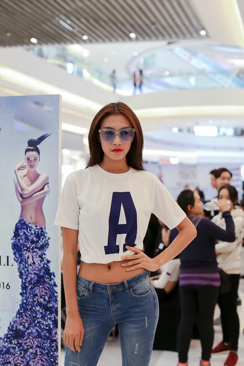 Quán quân Vietnam's Next Top Model 2014 Nguyễn Oanh.