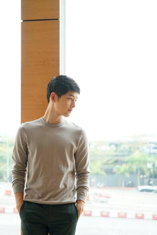 song-hye-kyo-diu-dang-trong-vong-tay-song-joong-ki-7