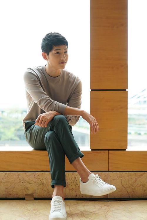 song-hye-kyo-diu-dang-trong-vong-tay-song-joong-ki-8