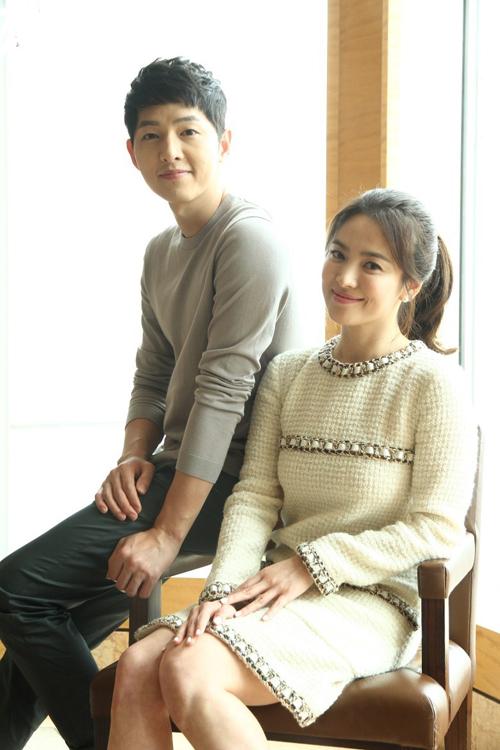 song-hye-kyo-diu-dang-trong-vong-tay-song-joong-ki-1