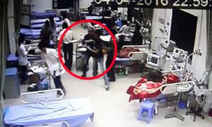 Côn đồ lao vào phòng cấp cứu chém bệnh nhân