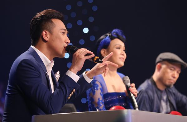 chang-trai-be-xuong-khien-khan-gia-so-thot-tim-15