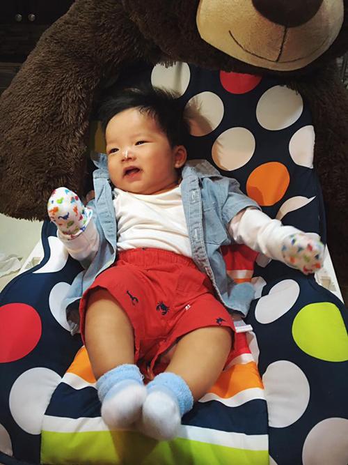 Ngọc Quyên đăng ảnh con trai nhân 3 tháng ngày sinh: