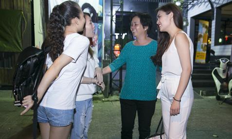 Mẹ Giang Hồng Ngọc luôn theo sát con gái