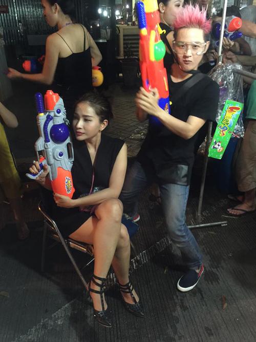 dan-sao-viet-ru-nhau-di-choi-tet-te-nuoc-o-thai-lan-11