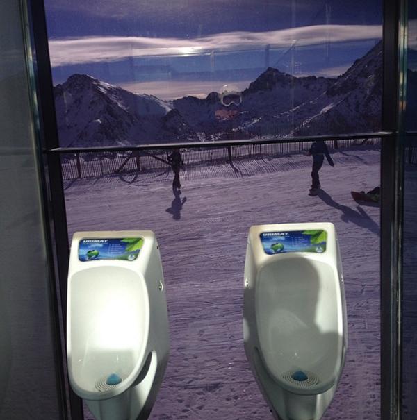 10-toilet-co-view-dep-chang-kem-gi-skybar-2