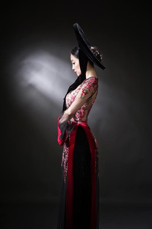 linh-nga-sexy-voi-ao-dai-xuyen-thau-6