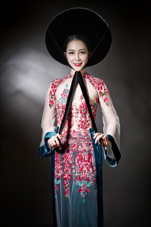 linh-nga-sexy-voi-ao-dai-xuyen-thau-3