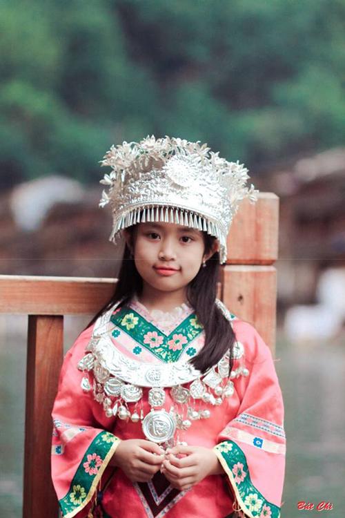 6-trieu-va-chuyen-di-phuong-hoang-co-tran-hot-khap-facebook-10