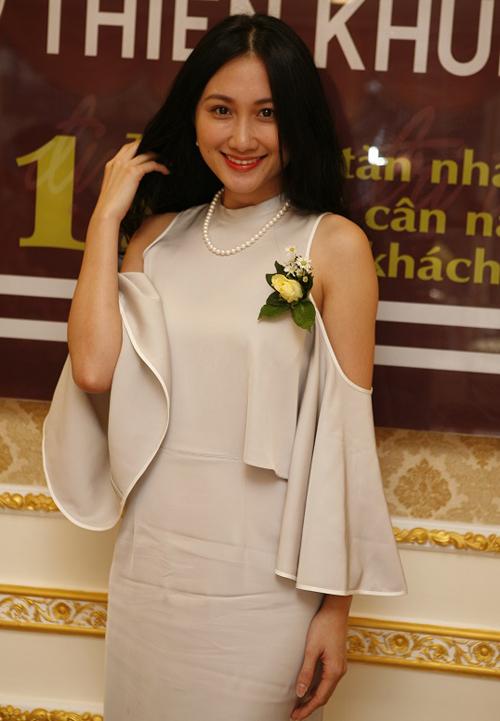 truong-my-nhan-nam-em-do-ve-sexy-trong-su-kien-5
