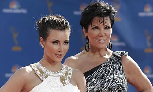 Các hãng tin săn lùng video sex của mẹ Kim Kardashian