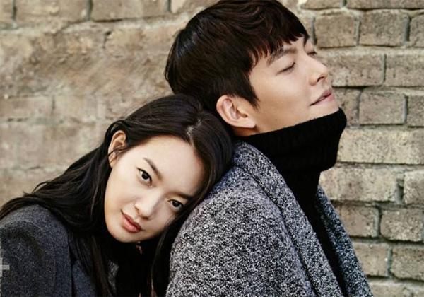 Cặp đôi chị em nảy nở tình cảm sau khi hợp tác làm mẫu cho một thương hiệu quốc tế