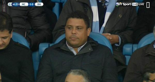 Ro béo cũng tới Manchester xem trận lượt đi bán kết Champions League khi đồng đội cũ, Zidane, làm HLV trưởng.