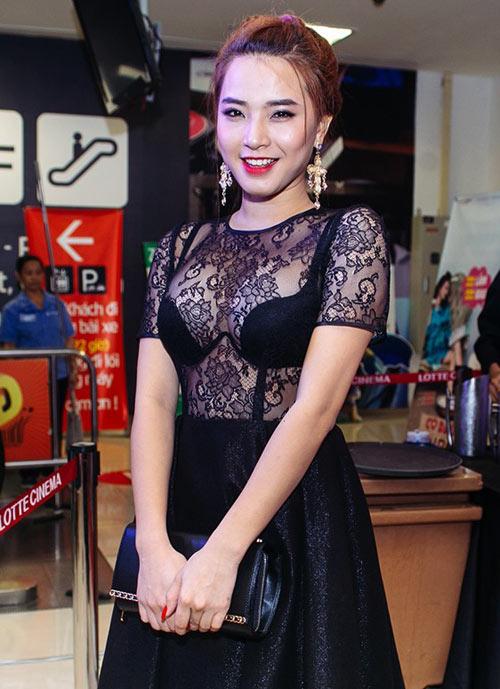 my-nhan-viet-khoe-noi-y-ngay-cang-tao-bao-8
