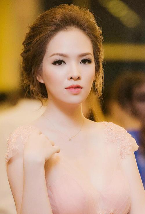 10-my-nhan-trang-diem-dep-thang-4