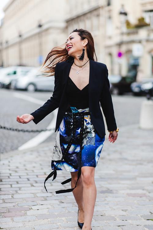 fashionista-noi-bat-voi-cach-phoi-mau-ruc-ro-1